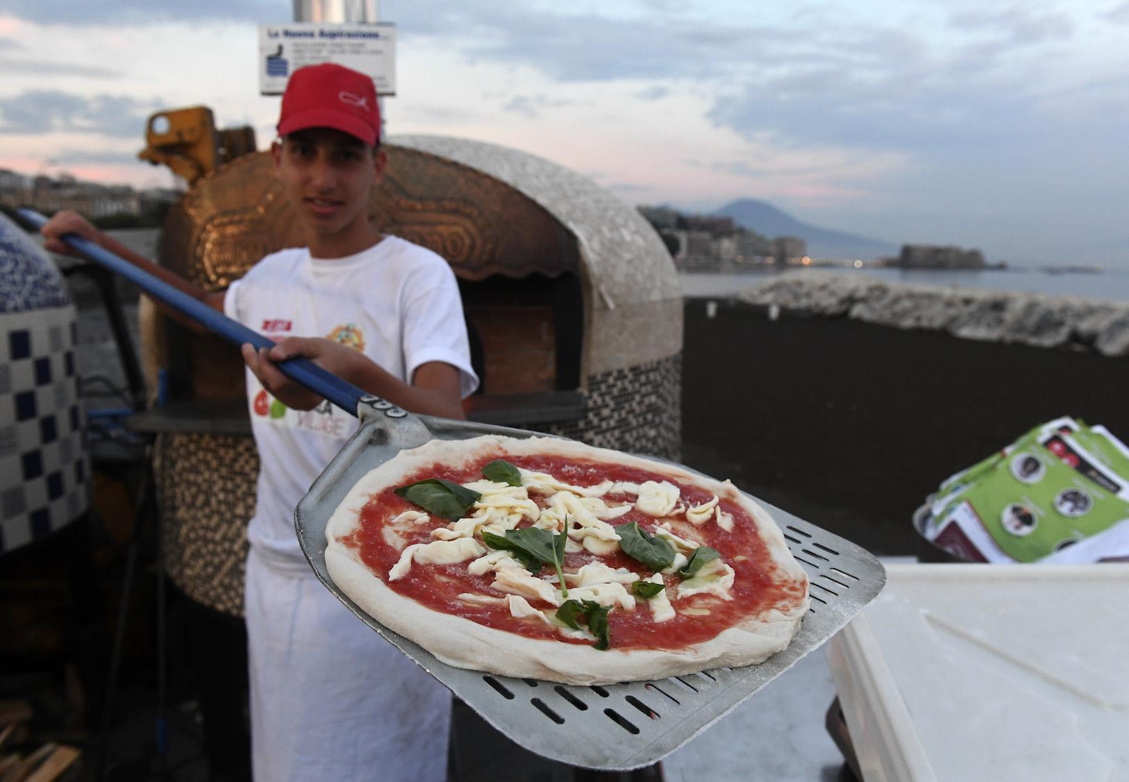 """Luigi De Magistris: """"Napoli Pizza Village: Una formula che ha sempre funzionato"""""""
