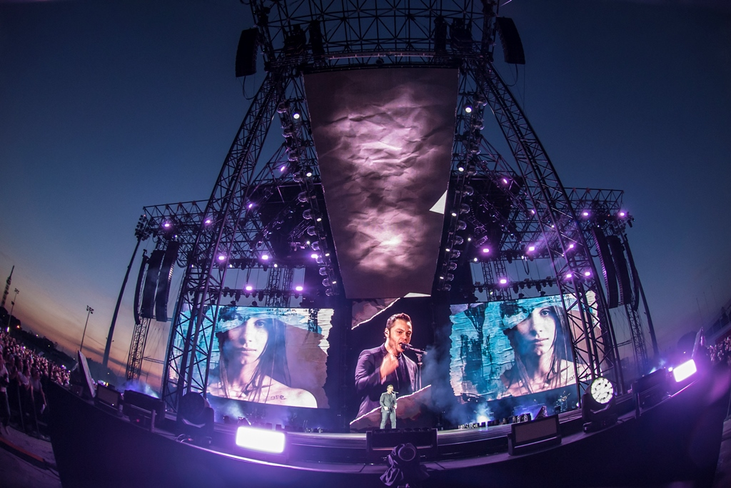 Mercoledì 12 luglio Tiziano Ferro in concerto alla Stadio Arechi di Salerno